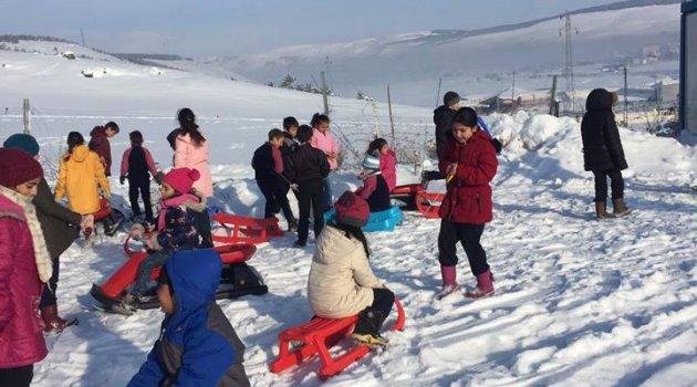 Göle'de Okullara Kar Tatili, Poso'un Yolları Kapandı!