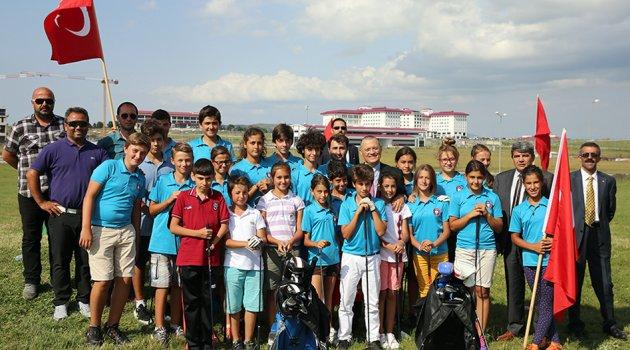 Hani ARÜ'de Golf Sahası Vardı?