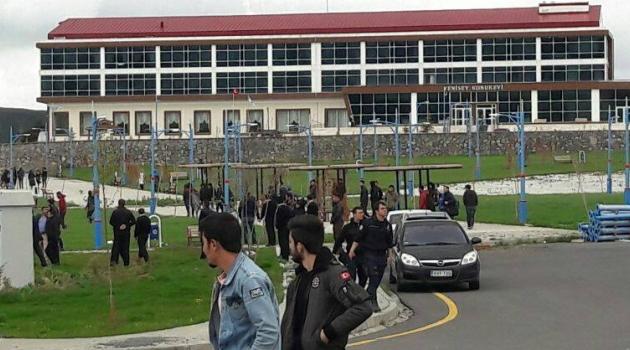 ARÜ'DE Bu kez öğrenciler kavga etti!..