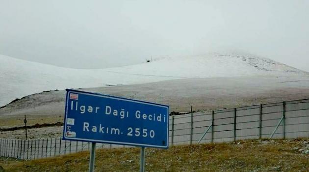 Kış Yüzünü Ulgar'da Gösterdi..