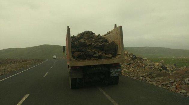 Seçim geldi, açık kasa kamyonlar yollara çıktı!