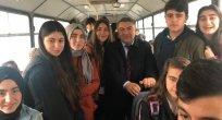 Ardahanlı Başkan'da Öğrenciler Bedava Servis!