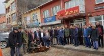 İLÇE BAŞKANI'NIN MUHTAR OLDUĞU ÇILDIR'DA BELEDİYE KURBAN KESTİ!