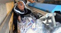 Türbe'de Kaçak Sigara Yakalandı!