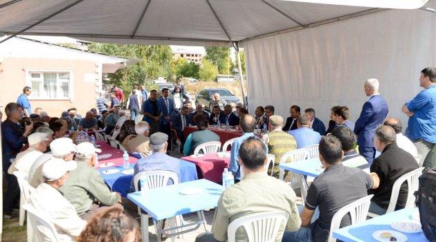 Vali Bilmez Çadırda Halkı Dinledi