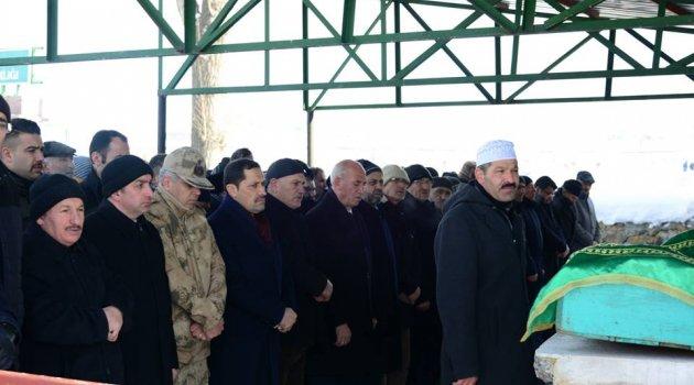 Vali MHP İl Başkanının Acısını Paylaştı.. Gazeteci'de 2 Yakınını Kayıp Etti..