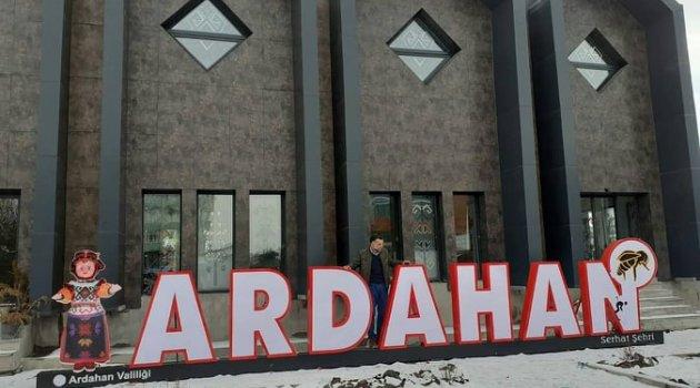 VALİLİK ARDAHAN'A ARDAHAN YAZDI  Ardahanlılar, 'burası neresi?' diye sordu!!..